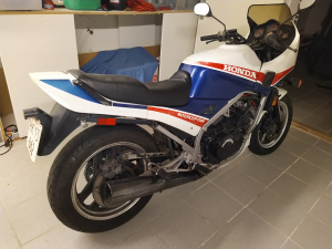 HONDA Vf 1000 F Intercepter